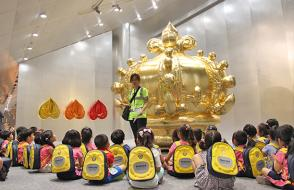 TomatoBilingual Kindergarten Visits the Choi Jeong Hwa Solo Exhibition ON—Aggregation of Spiritual and Matter