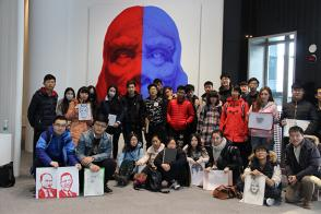 "Teachers and students of the Department of Art and Design of Kede College of Capital Normal University visited Kang Hyung koo solo exhibition ""soul"""
